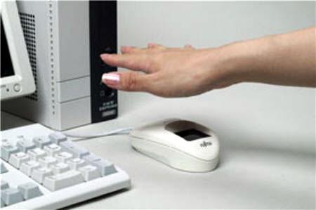 Lettore biometrico della mano